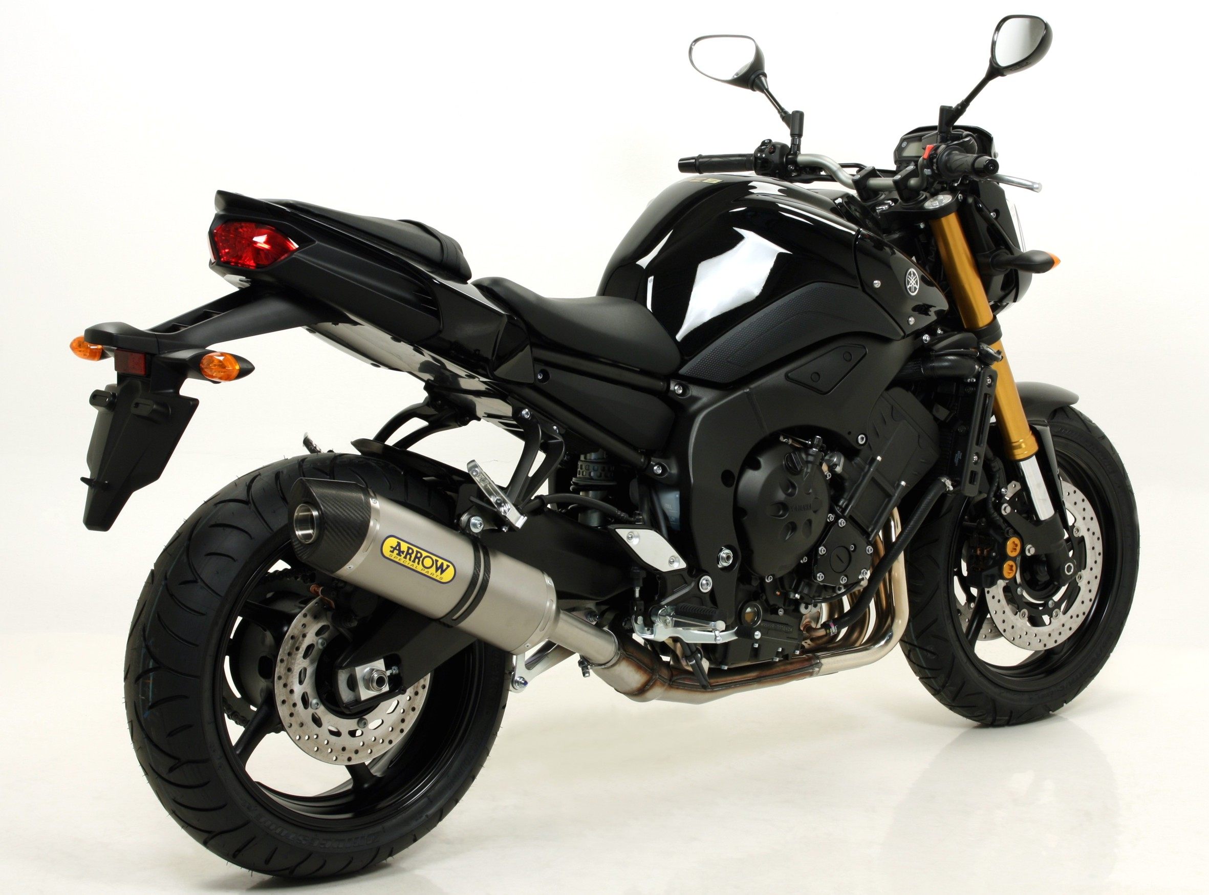 Yamaha FZ8 10 Slip-on Race-Tech 2Yamaha Fz8 Exhaust